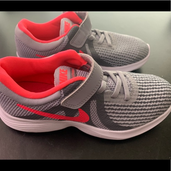 Nike Other - Girls Nike Revolution 4 Athletic Shoes